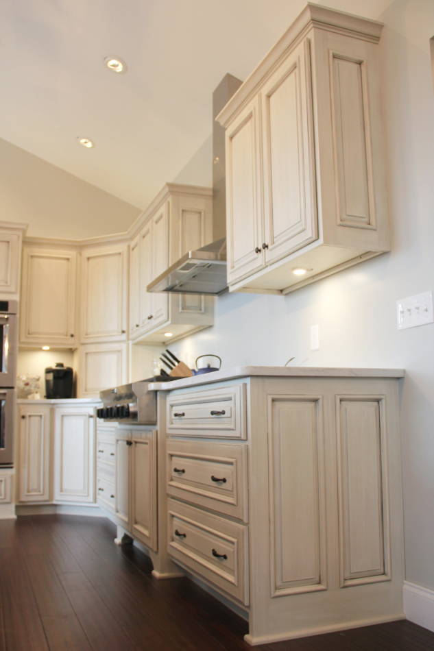 painted-glazed-dark-stained-kitchen-cabinets-CNL03 ...