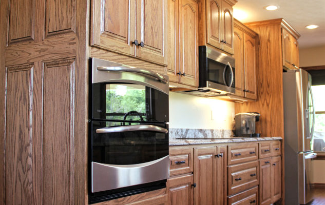 red-oak-custom-kitchen-cabinets