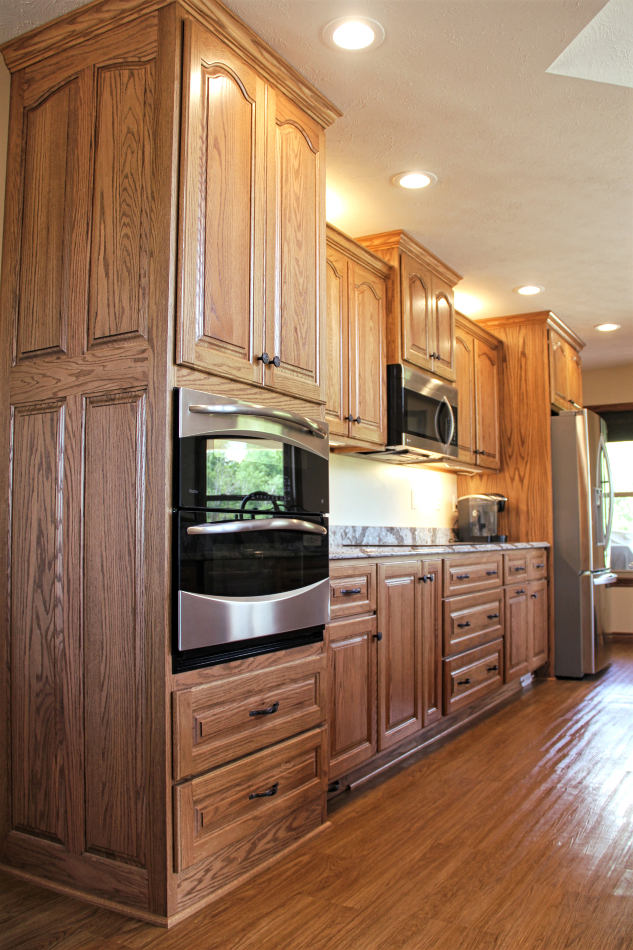 Red Oak Kitchen Cabinets red-oak-custom-kitchen-cabinets