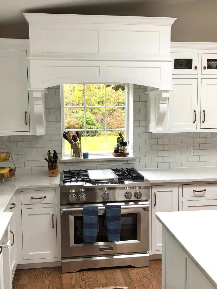 white-custom-kitchen-cabinets-MKM21 - Fairfield Custom ...