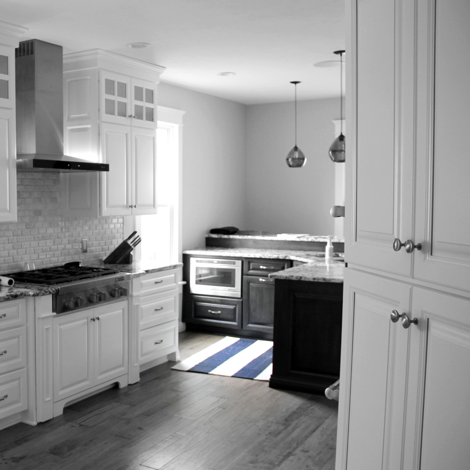 Custom Kitchen Cabinets: Elegant White Custom Kitchen